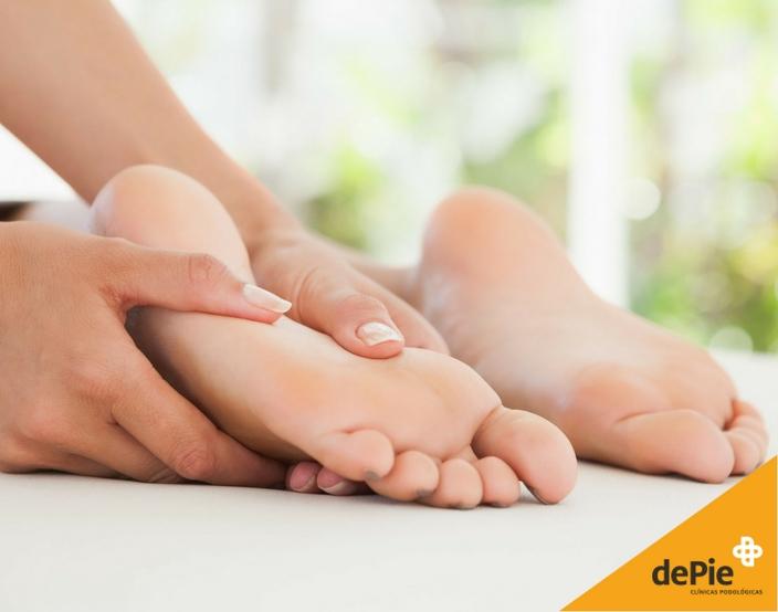 Qué es el pie de atleta, causas y tratamiento en dePie Clínica Podológica.